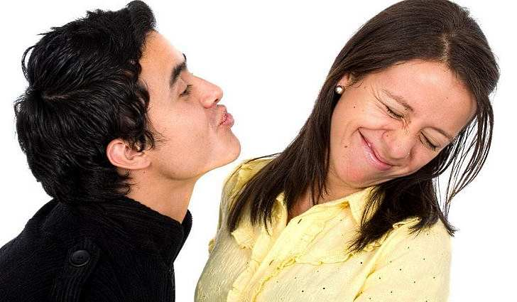 Что делать если сильный запах изо рта