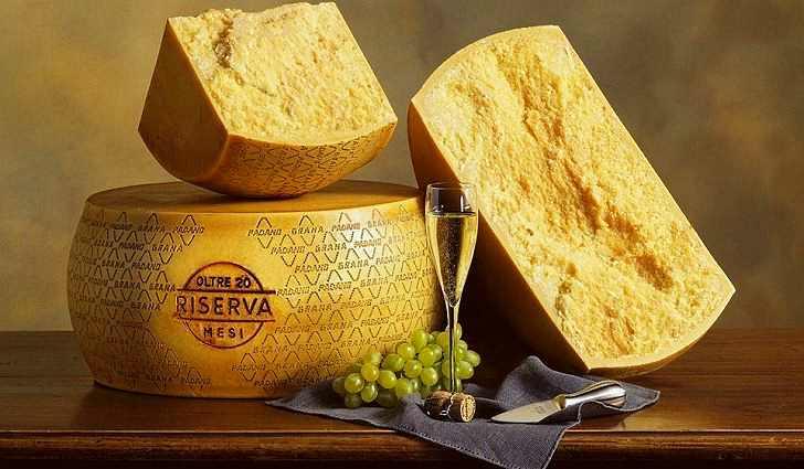 Сыр Пармезан содержит белок
