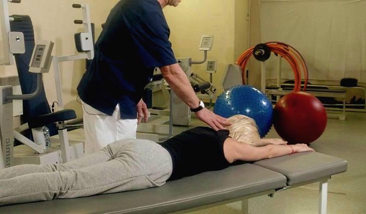 Гимнастика для больной болезнью Бехтерева