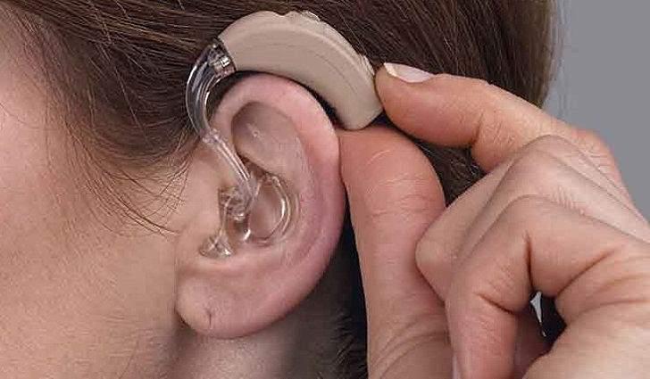Как выбрать слуховой аппарат пожилому пациенту