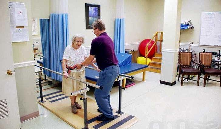 Реабилитация после перелома бедра - первые шаги