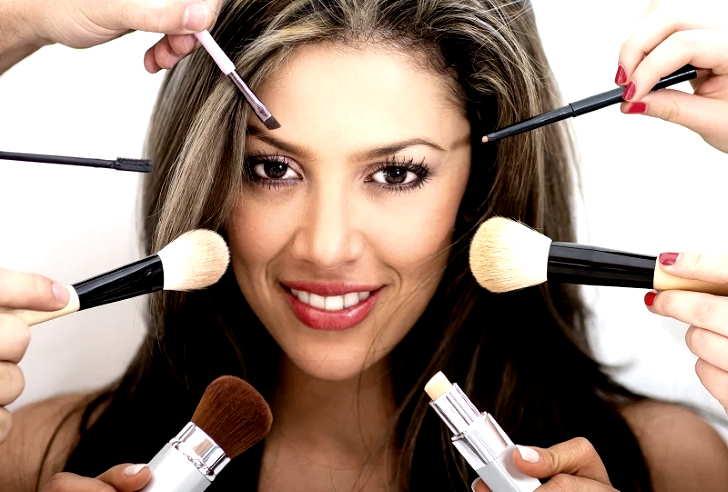 Женщины Греции редко используют макияж