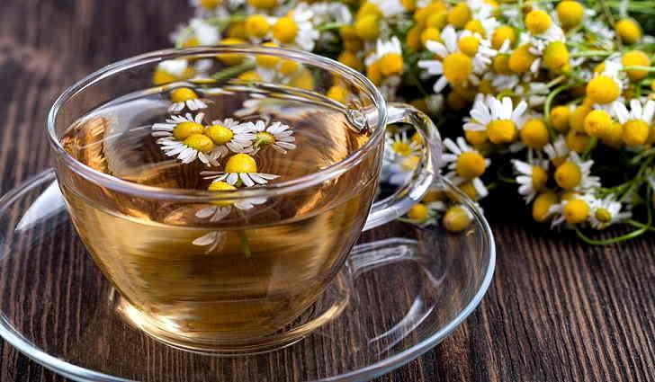 Настой цветков ромашки аптечной для лечения себореи