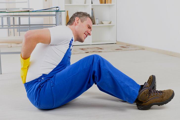 Симптомы ушибов спины
