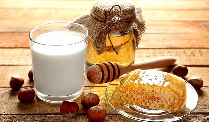 Кефир и мед входят в рецепт лечения тахикардии
